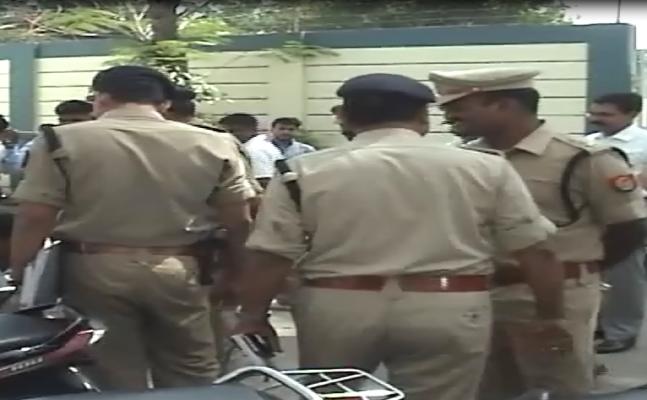 Meerut: Police Action Against `Designer Number Plates`