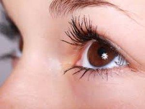 कैसे करें आंखों की देखभाल ?