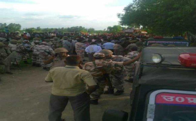 बरेलीः कांवड यात्रा के दौरान पथराव, एसओ अलीगंज सस्पेंड