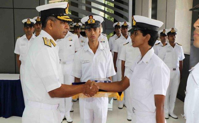 इंडियन नेवी की पहली महिला पायलट का जानिए क्या है बरेली कनेक्शन?