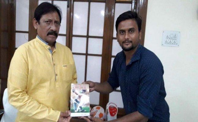सिटी स्टारः लखनऊ के क्रिकेटर राहुल गुप्ता ने खिलाड़ियों के लिए लिखी किताब