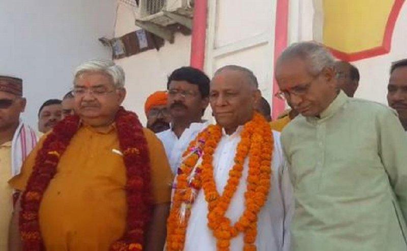 अयोध्या पहुंचे VHP के नए अध्यक्ष कोकजे, कहा- जल्दी शुरू होगा राम मंदिर का निर्माण
