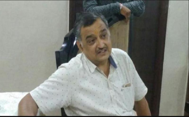 कानपुर में मंत्री के घर के पास कारोबारी से दो लाख की लूट
