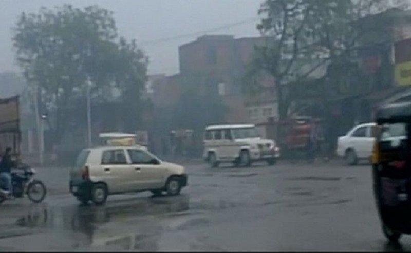 मौसम विभाग की चेतावनीः यूपी में आ सकता है आंधी-तूफान, लखनऊ में बरसे बादल