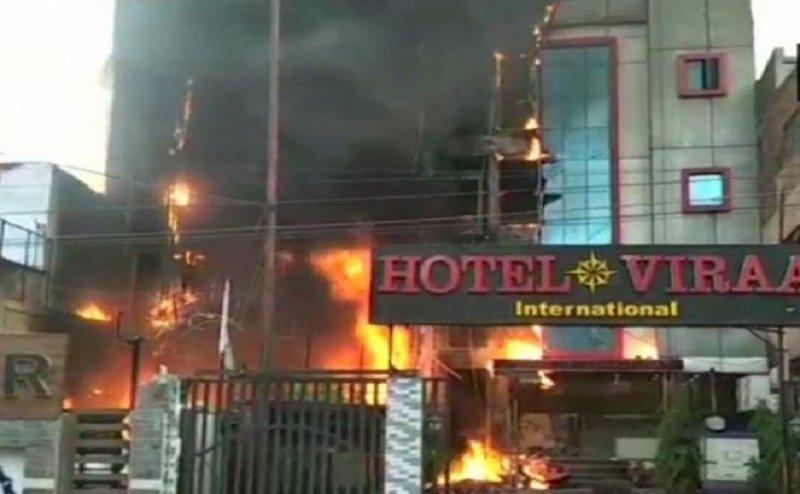 लखनऊ: होटल विराट में लगी भयानक आग, 5 लोगों की मौत
