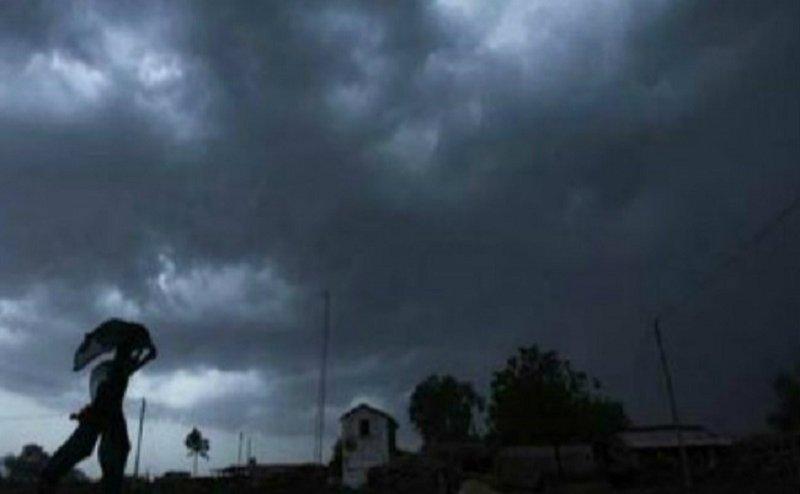Weather Report: यूपी में हवा और भारी बारिश का अलर्ट, ये शहर हो सकते हैं प्रभावित