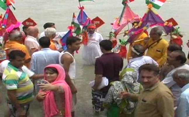 कांवड़ यात्रा पर हरिद्वार पहुंचे पाकिस्तानी हिंदू, भगवान भोलेनाथ का किया जलाभिषेक