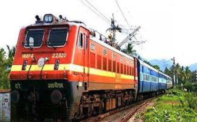 ट्रेन हादसे के कारण रेलवे को हो रहा घाटा, 3 हजार टिकट कैंसिल