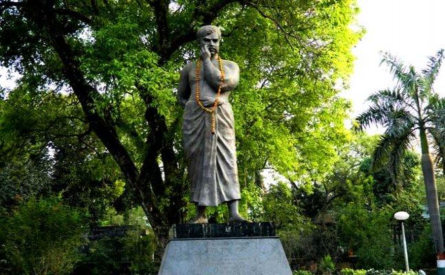 इलाहाबाद कल आज और...आजाद पार्क: अतीत में गूंजते पत्थर और लहराते दरख्तों के साये