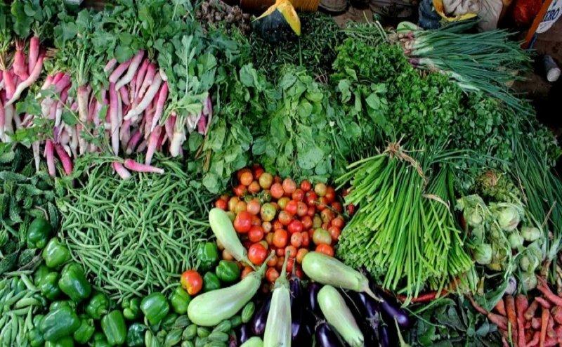 सब्जियों के बढ़ते दामों से लोगों का हाल हुआ बेहाल