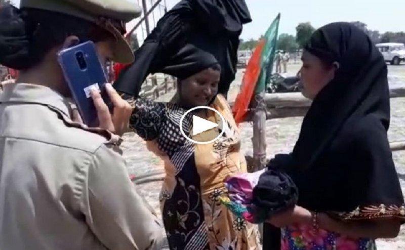 पीएम मोदी का वाराणसी दौरा, मुस्लिम महिलाओं के उतरवाए गए बुर्के