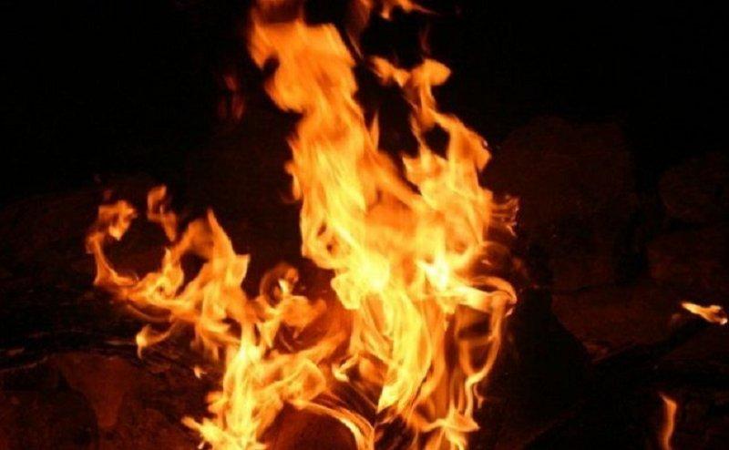 कानपुर में युवक ने खुद को लगाई आग