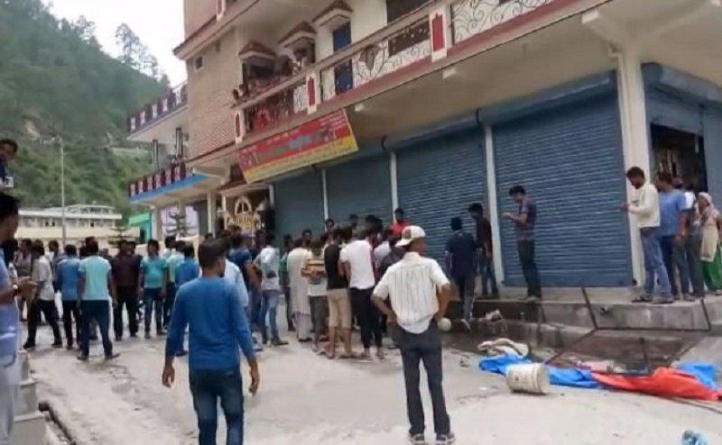 उत्तराखंड के घनसाली में इसलिए लोगों ने की दूसरे समुदाय के दुकानों में तोड़फोड़