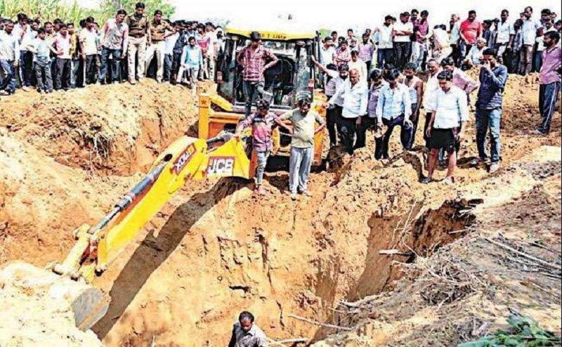 बरेली में भूस्खलन से 6 लोगों की मौत, चल रहा था टेलीफोन लाइन पर मरम्मत