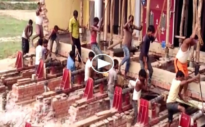गोरखपुर में मकान को बिना तोड़े दूसरी जगह किया जा रहा शिफ्ट