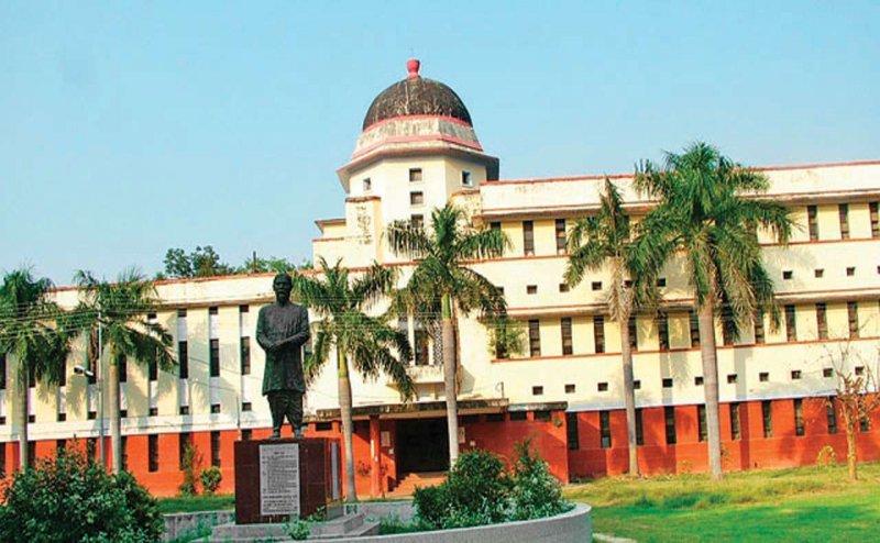 इलाहाबाद विश्वविद्यालय के छात्रसंघ अध्यक्ष पर लगा बड़ा आरोप