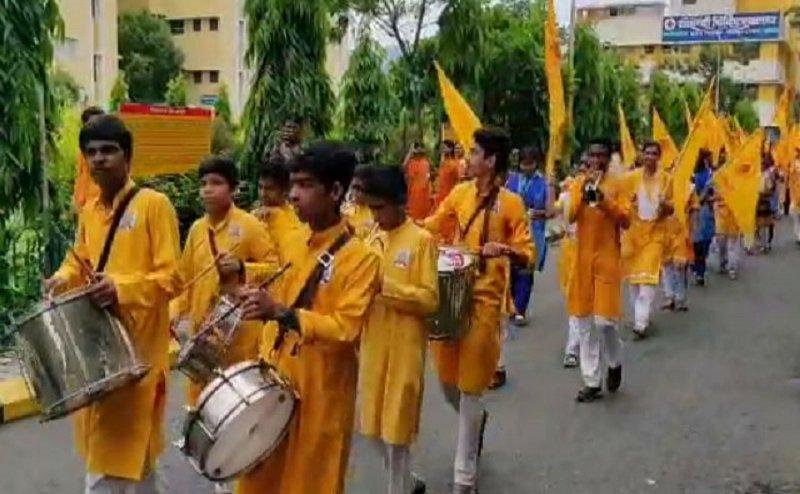 हरिद्वार में छात्रों ने निकाली अनोखी कांवड़ यात्रा