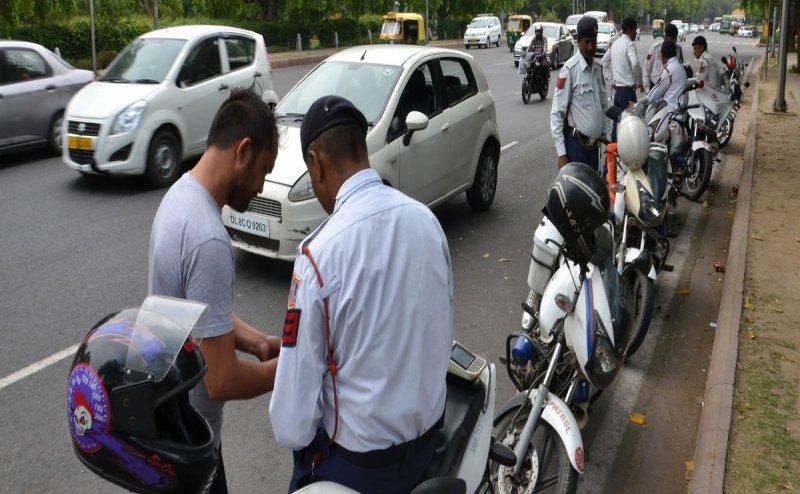 परिवहन मंत्रालय ने जारी की एडवाइजरी, ट्रैफिक पुलिस को अब नहीं दिखाना होगा डीएल