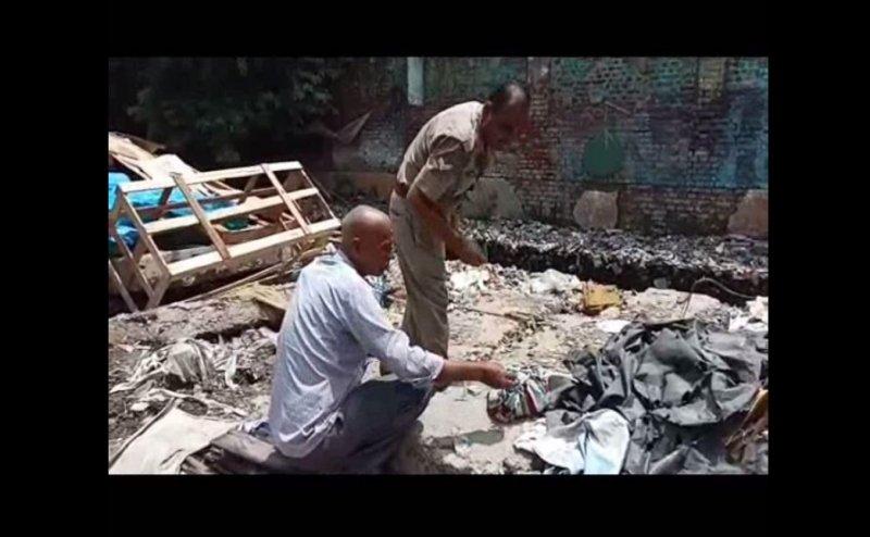 कानपुर में महिला ने अपने बच्चे को कूड़े के ढेर में फेंका, पुलिस ने पोस्टमार्टम के लिए भेजा
