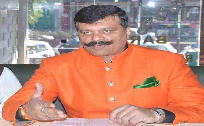 हरिद्वार में कुंवर प्रणव सिंह चैंपियन ने किया गंगा में हो रहे कटान का निरीक्षण