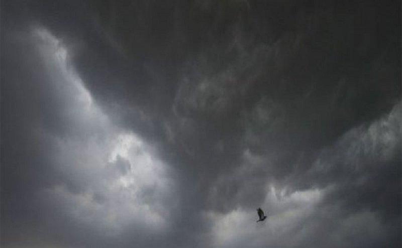 अगले तीन दिन रहें सतर्क, होने वाली है जोरदार बारिश