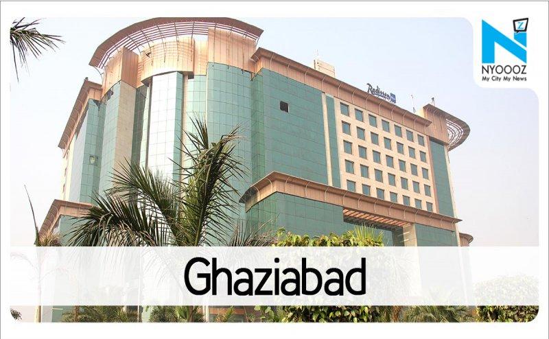 गाजियाबाद में बच्चे की मौत के बाद परिजनों ने किया अस्पताल में जमकर हंगामा