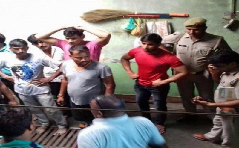 हापुड़ में घर के नौकरों ने किया 13 साल की बच्ची के साथ गैंगरेप के बाद हत्या, भाई का भी गला काटा