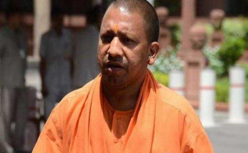 सीएम योगी ने अटल बिहारी वाजपेयी के परिवार के साथ किया उनकी अस्थि का विसर्जन