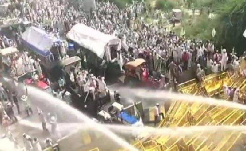 किसानों पर पुलिस ने की पानी की बौछार और दागे आंसू गैस के गोले, जानिए क्या है मांगें