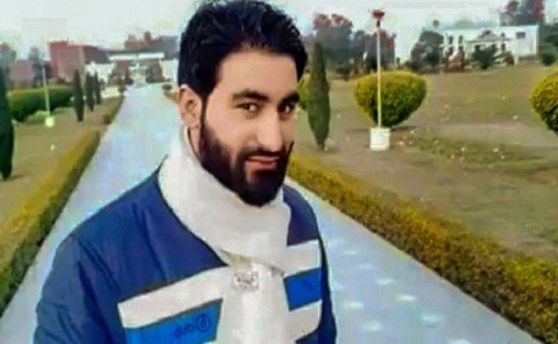 AMU में मन्नान वानी की मौत पर नमाज-ए-जनाजा निकालने का प्रयास, 3 छात्र निलंबित