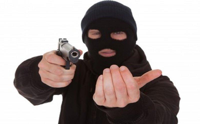 गाजियाबाद में कारोबारी से तमंचे के बल पर लूट, पुलिस छानबीन में जुटी