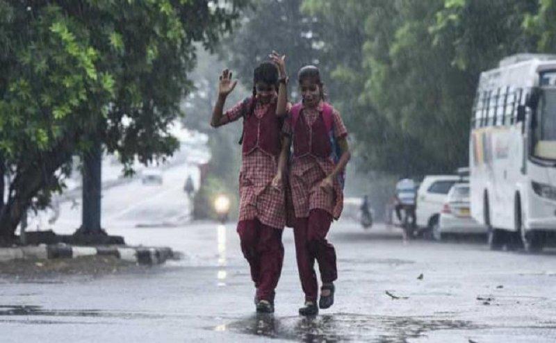 दिल्ली-NCR में पड़े ओले, बच्चे और बुजुर्ग रहें सावधान