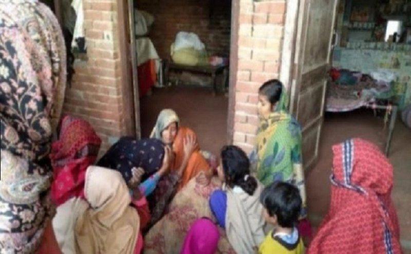 यूपी और उत्तराखंड में जहरीली शराब पीने से अब तक 72 लोगों की मौत
