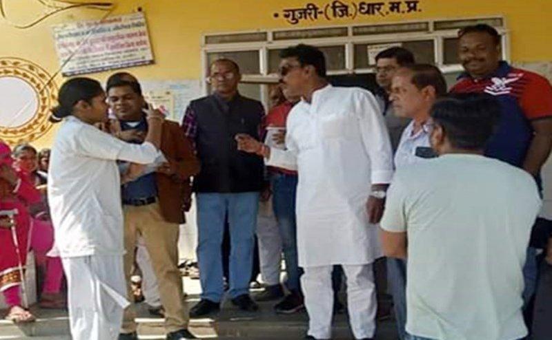 Indore : स्वास्थ्य मंत्री तुलसी सिलावट के साथ हुआ अजीब वाक्या, एएनएम बोलीं...