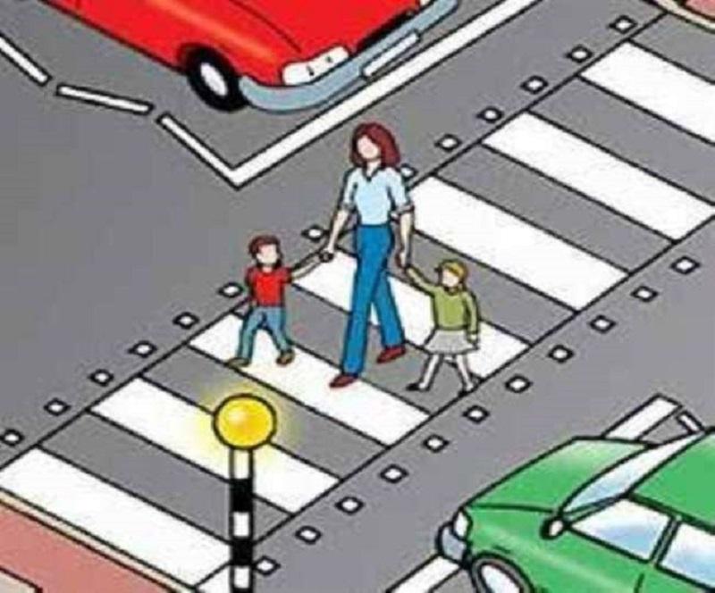 यातायात नियमों के बारे में लोगों को जागरुक करने के लिए राष्ट्रीय सड़क सुरक्षा माह का आयोजन