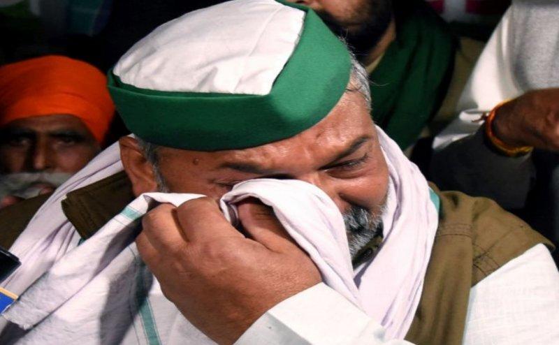 कैसा था राकेश टिकैत व अजीत सिंह का रिश्ता, राकेश के रोने पर सबसे पहला फोन अजीत का आया  था