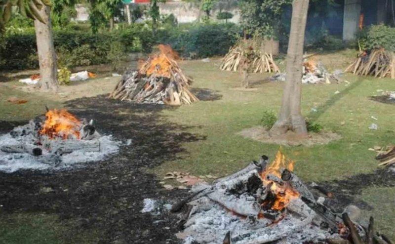 राहत: महीने बाद थोड़ा कम हुआ अंत्येष्टि आंकड़ा, जनाज़ों में भी आई गिरावट