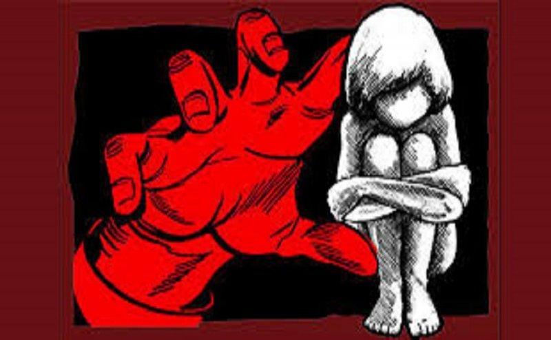 घर के आंगन में सो रही किशोरी को उठा ले गए, फिर किया सामूहिक दुष्कर्म, मामला दर्ज