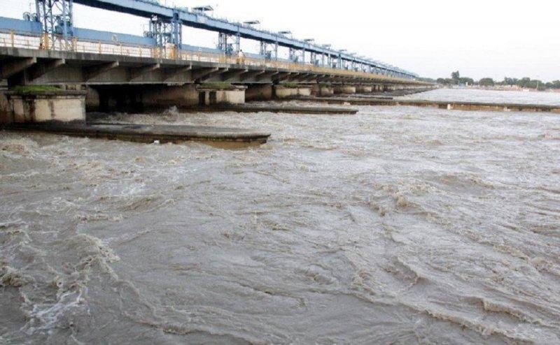 चबंल नदी के उफान से आगरा के 38 गांवों में बाढ़ का खतरा