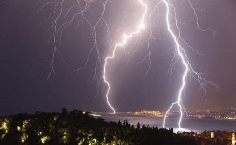 आज फिर हो सकती है तेज बारिश, मौसम विभाग ने जारी की चेतावनी