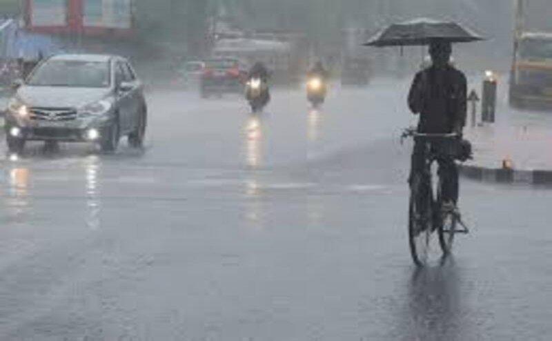 उत्तराखंड में राजधानी समेत इन जिलों में भारी बारिश का ऑरेंज अलर्ट, खतरे के निशान के करीब पहुंचीं गंगा-यमुना