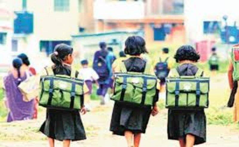 यूपी: आज से खुले प्राइमरी स्कूल,  सीएम योगी ने ट्वीट कर बच्चों को दीं शुभकामनाएं और सचेत रहने की दी नसीहत