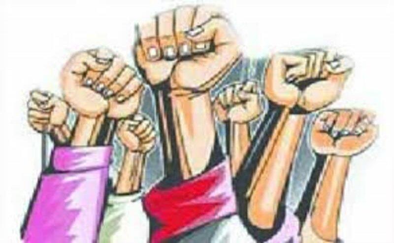 मुजफ्फरनगर: एसडी डिग्री कॉलेज में परीक्षा परिणाम घोषित कराने को छात्रों ने किया प्रदर्शन