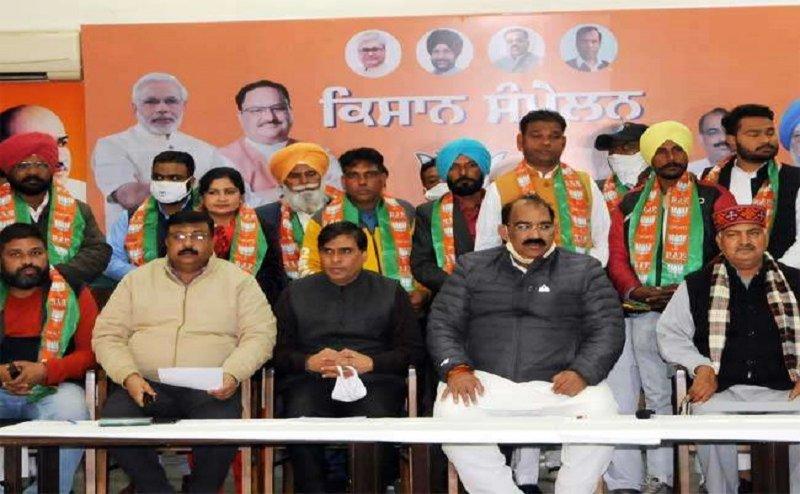 विधानसभा चुनाव 2022: भाजपा में शामिल हुए दूसरे दलों के नेता