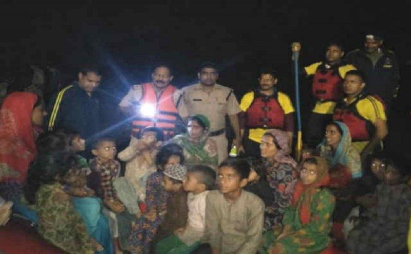 उत्तराखंड पुलिस और SDRF की टीम ने बचाई 29 जिंदगियां