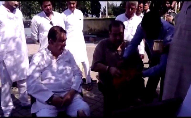 कृष्णा राज कपूर की अस्थियों को गंगा में किया गया विसर्जित