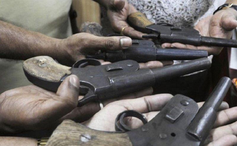 मेरठ में बढ़ रहा अवैध हथियारों का कारोबार