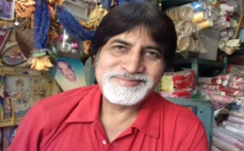 बरेली में यह शख्स रखता है अमिताभ बच्चन के लिए करवा चौथ