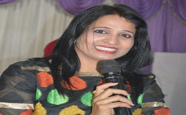 'भौजी नंबर-1 दीप्ति अनुराग' के गायन के कायल है गोरखपुर के लोग