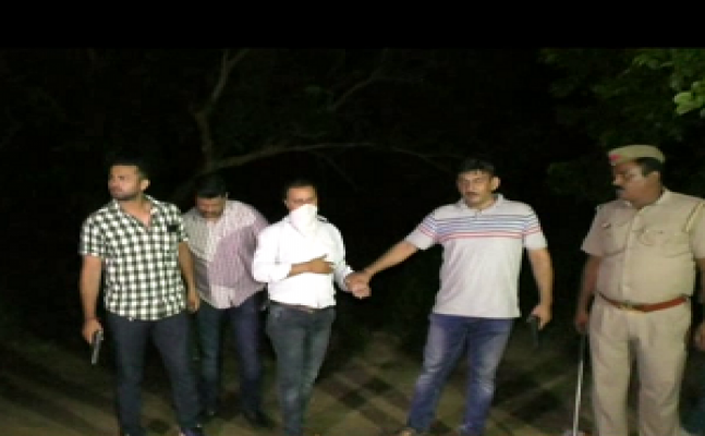 गाजियाबाद में LIVE एनकाउंटर, एक बदमाश गिरफ्तार